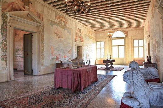 Veneto padova straordinaria villa xvi secolo for Interni ville antiche